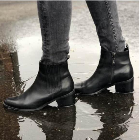 Blondo Elvina Waterproof Black Booties